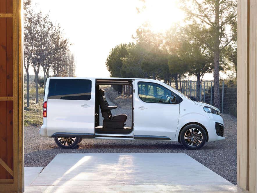 Opel, Zafira Life, відсувні двері